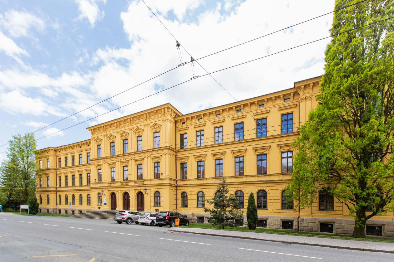 Zdravotnická škola Hradce Králové